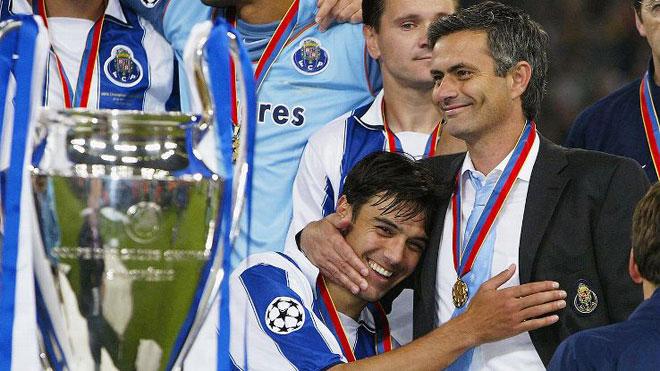 Mourinho luôn vô địch mùa thứ 2: Cả Ngoại hạng Anh run rẩy - 1