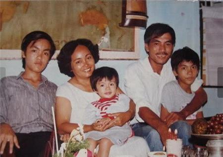 Bố mẹ Lam Trường, Hà Tăng nuôi con thành danh từ xe bánh mì, nước mía - 4