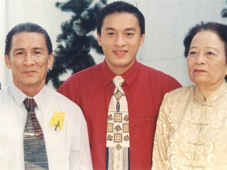Bố mẹ Lam Trường, Hà Tăng nuôi con thành danh từ xe bánh mì, nước mía - 10