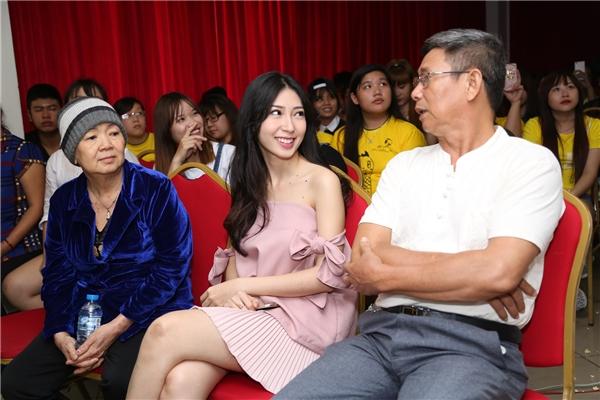 Bố mẹ Lam Trường, Hà Tăng nuôi con thành danh từ xe bánh mì, nước mía - 14