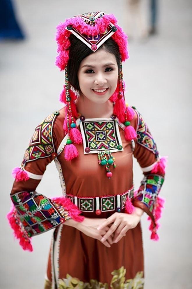 Người yêu tin đồn Noo Phước Thịnh hóa mỹ nữ vùng cao - 6