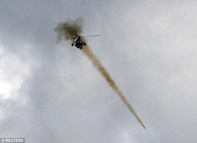 Phóng viên bị xạ thủ IS ở Philippines bắn đạn găm trúng cổ - 4