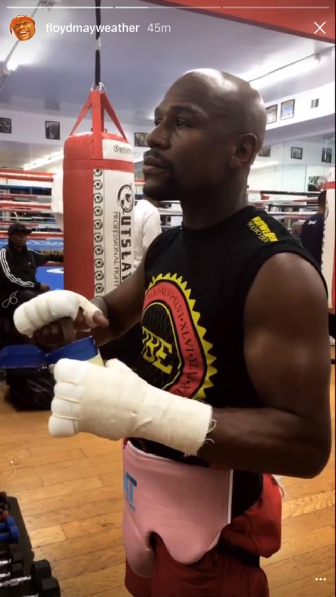 Boxing tỷ đô: Mayweather xỏ găng luyện võ, chờ đấm gục McGregor - ảnh 2