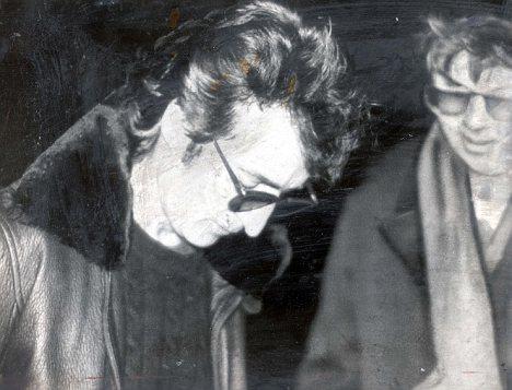 Giả thiết bất ngờ về cái chết của huyền thoại âm nhạc John Lennon - 1