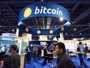 Tiền ảo Bitcoin rớt giá không phanh, nhà đầu tư lo sốt vó