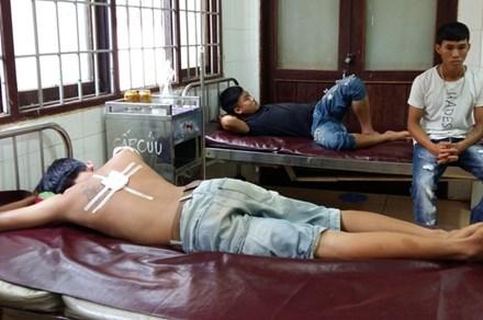 Công an xã bắn đạn cao su, 3 thanh niên nhập viện