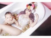 Mỹ nữ Vbiz uốn mình trong bồn tắm khiến anh em  ' đứng hình '