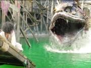 """Chết cười với màn bắt thủy quái vừa rùng rợn vừa hài  """" té ghế """""""