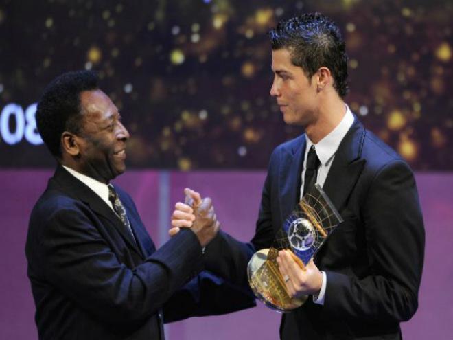 """Chuyển nhượng MU: Fan đòi bán De Gea, mua Ronaldo và """"Buffon mới"""" - 2"""