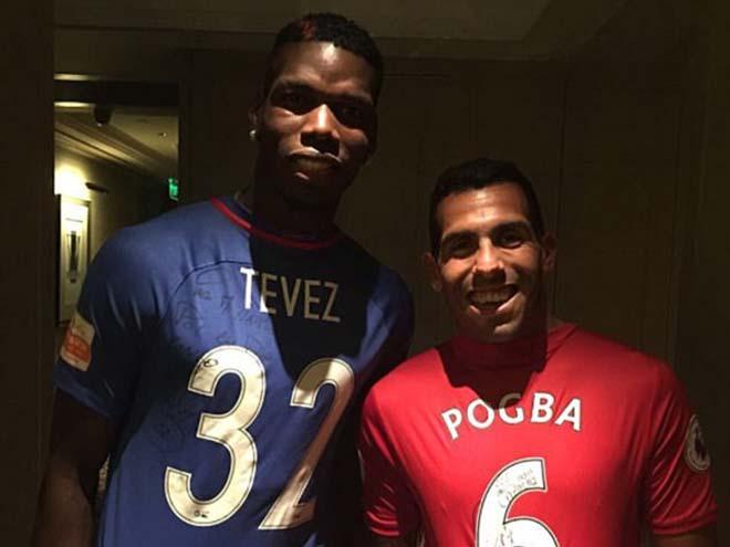 Tin HOT bóng đá tối 18/6: Tevez tươi cười mặc áo MU - 1