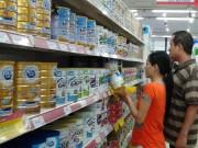 """Thị trường - Tiêu dùng - Hãng giảm giá sữa, cửa hàng vẫn """"cố thủ"""""""