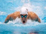 Michael Phelps đối đầu cá mập trắng bên đường đua  chết chóc
