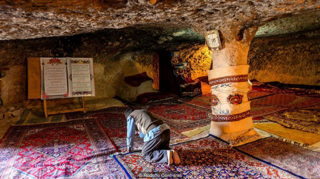 """Đột nhập ngôi làng 10.000 năm tuổi """"ẩn náu"""" trong hang động - 5"""