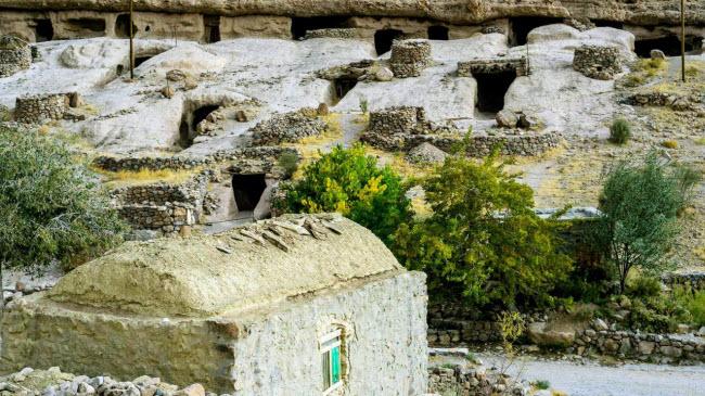 """Đột nhập ngôi làng 10.000 năm tuổi """"ẩn náu"""" trong hang động - 2"""