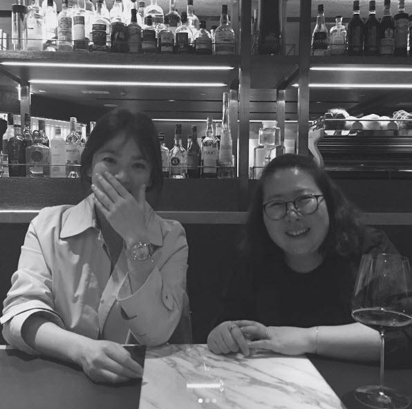 Song Hye Kyo nói về tin hẹn hò qua đêm với phi công trẻ - ảnh 5