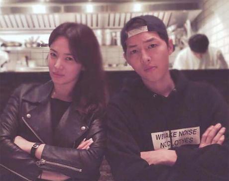 Song Hye Kyo nói về tin hẹn hò qua đêm với phi công trẻ - ảnh 2