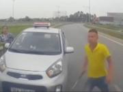 Tin tức trong ngày - Thông tin mới vụ tài xế taxi chạy ngược chiều, rút gậy sắt dọa người đi đường