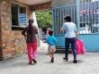 Tâm sự thắt lòng người mẹ bỏ rơi 2 con nhỏ ở Sài Gòn