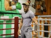 """Thể thao - Boxing tỷ đô: McGregor """"sỉ nhục"""" đấm vào mặt Mayweather"""