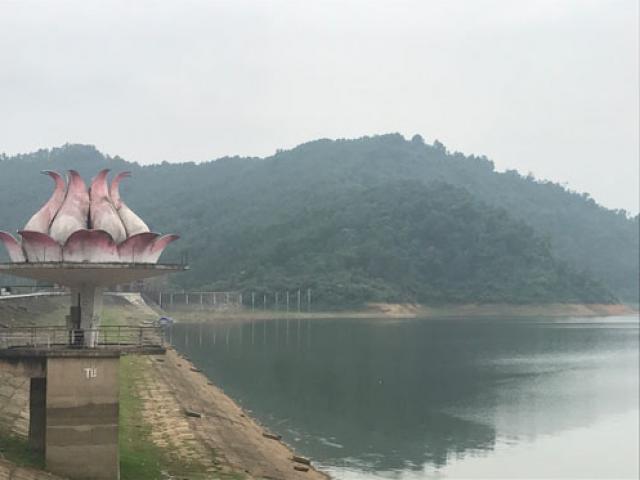 Thái Nguyên: Công bố tình trạng khẩn cấp, nhiều nơi ngập trong biển nước - 5