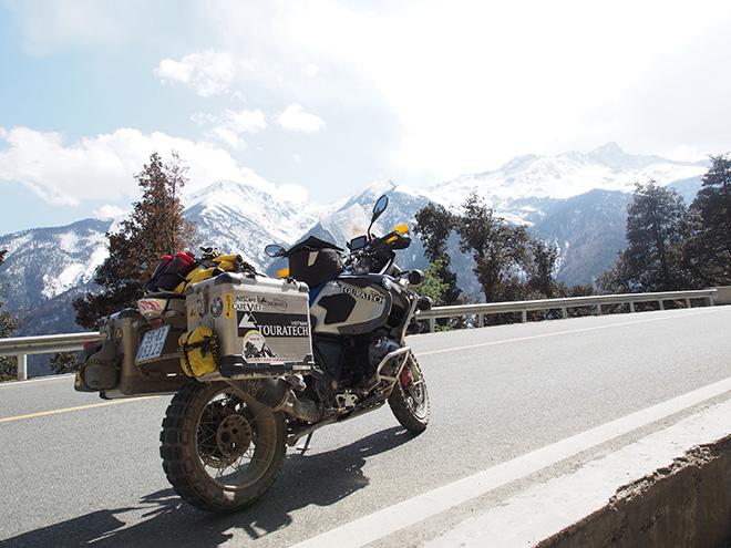 """Tây Tạng và hành trình chinh phục """"nóc nhà thế giới"""" của 40 biker Việt - 1"""