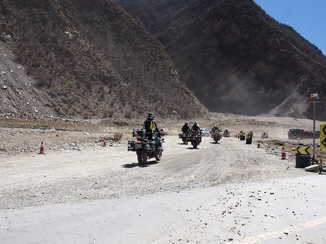 """Tây Tạng và hành trình chinh phục """"nóc nhà thế giới"""" của 40 biker Việt - 4"""