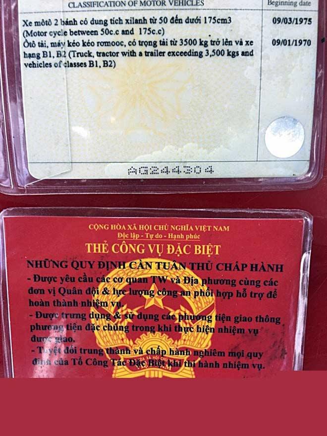 Móc thẻ công vụ đặc biệt để xin xỏ CSGT - 2