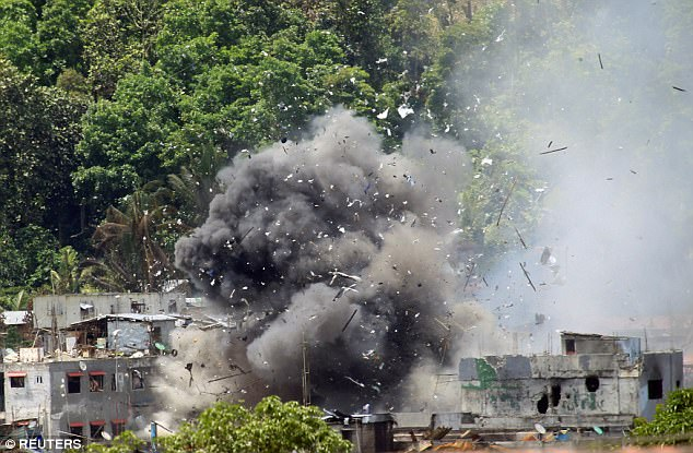 IS đốt trường học, bắt giữ con tin ở Philippines - 2
