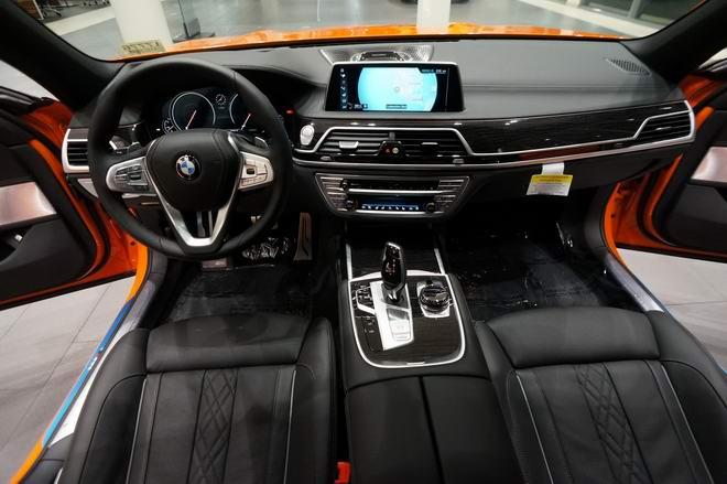 BMW 750i màu cam độc đáo có giá 3 tỷ đồng - 4