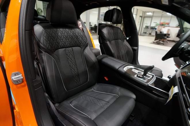 BMW 750i màu cam độc đáo có giá 3 tỷ đồng - 5