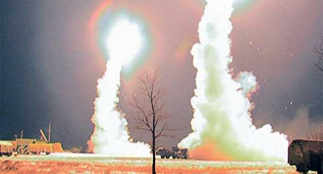 Khóa mục tiêu máy bay Mỹ, Nga có dám khai hỏa? - 1