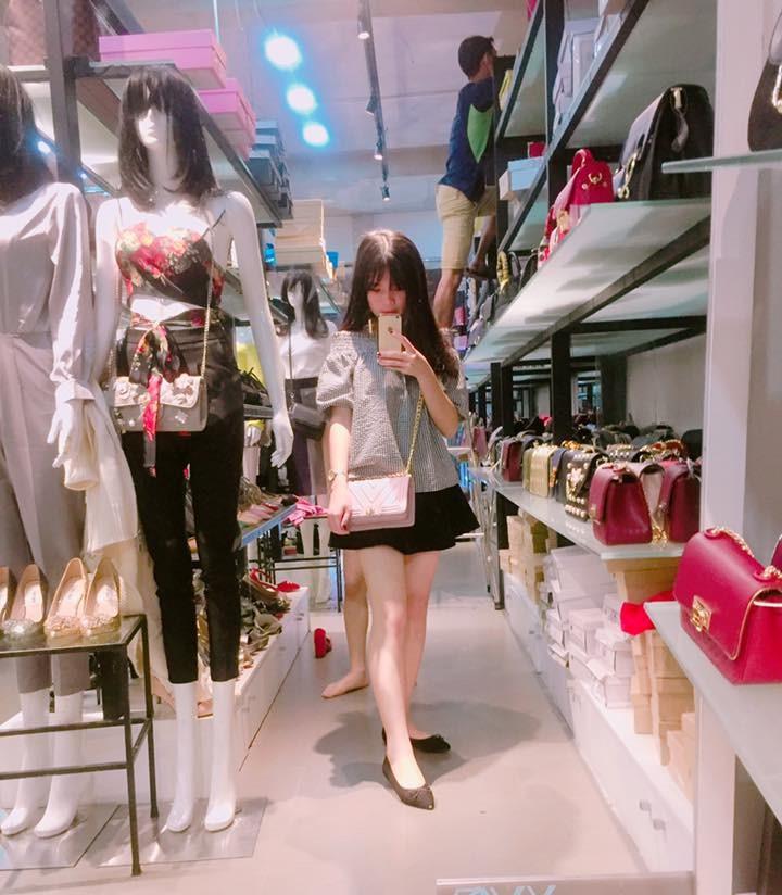 """Việt Huê nóng bỏng vẫn ít nhiều """"kiêng dè"""" em gái hot girl - 6"""