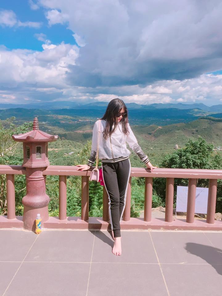 """Việt Huê nóng bỏng vẫn ít nhiều """"kiêng dè"""" em gái hot girl - 12"""