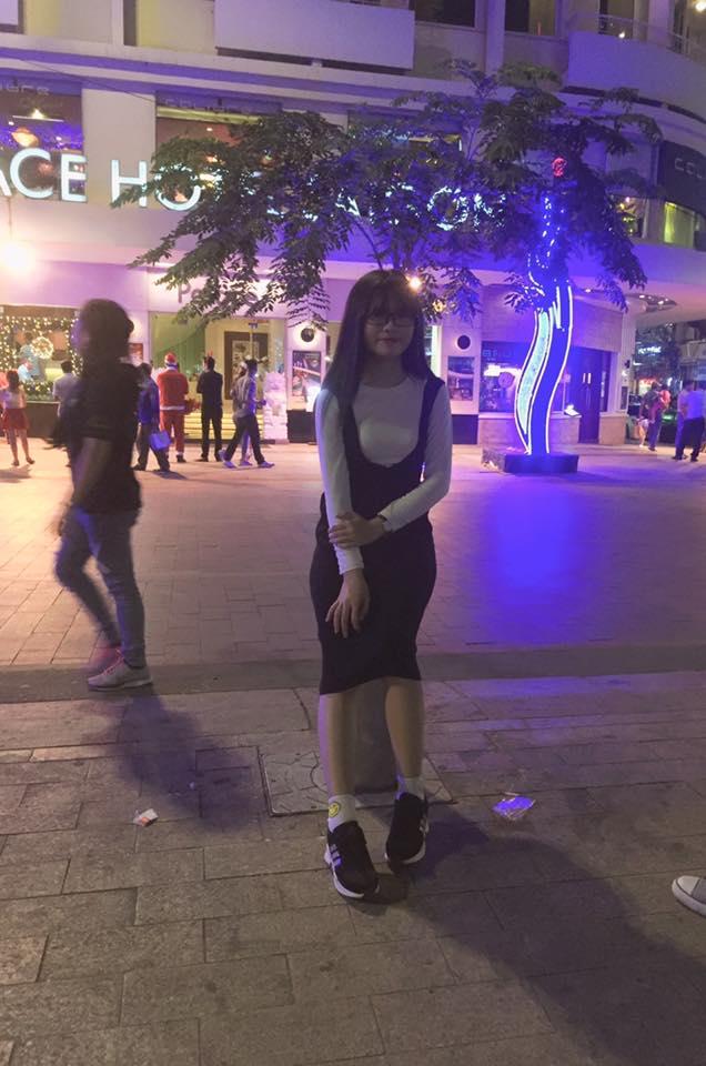 """Việt Huê nóng bỏng vẫn ít nhiều """"kiêng dè"""" em gái hot girl - 13"""