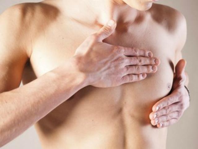 Những dấu hiệu cho thấy quý ông đã bị ung thư vú