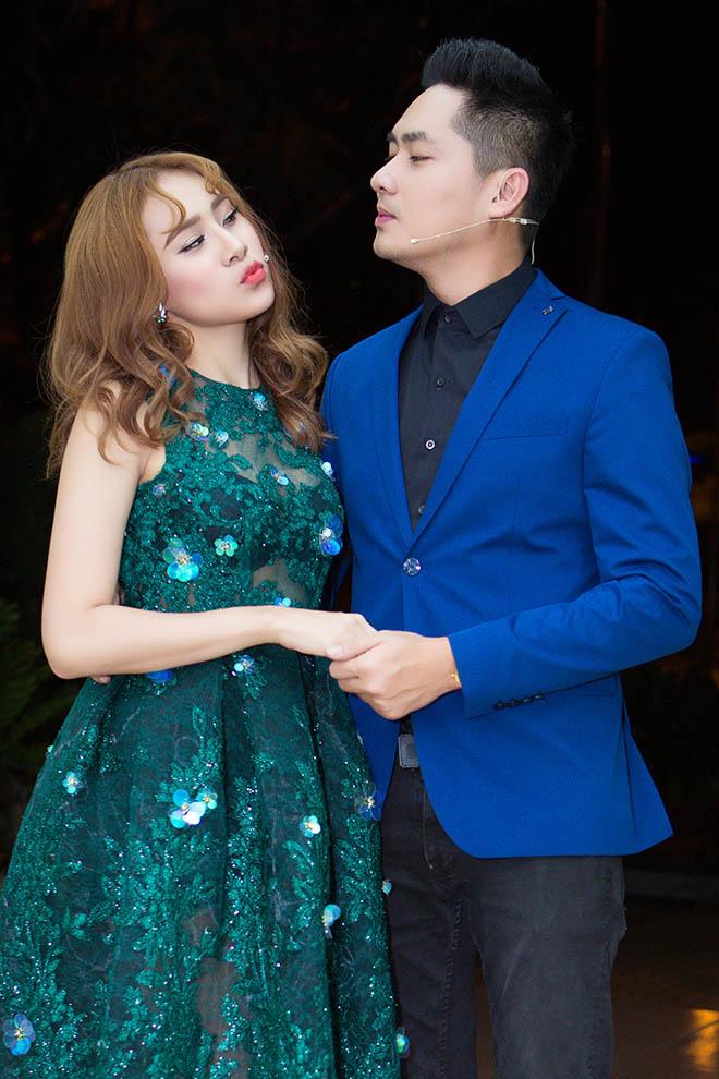 """MC Ngô Kiến Huy """"nghi ngờ"""" Minh Luân hẹn hò tình mới - 2"""