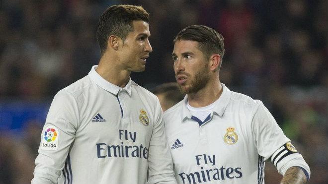 """Ronaldo thông báo Ramos sẽ rời Real, """"ngầm"""" thừa nhận trốn thuế - 1"""
