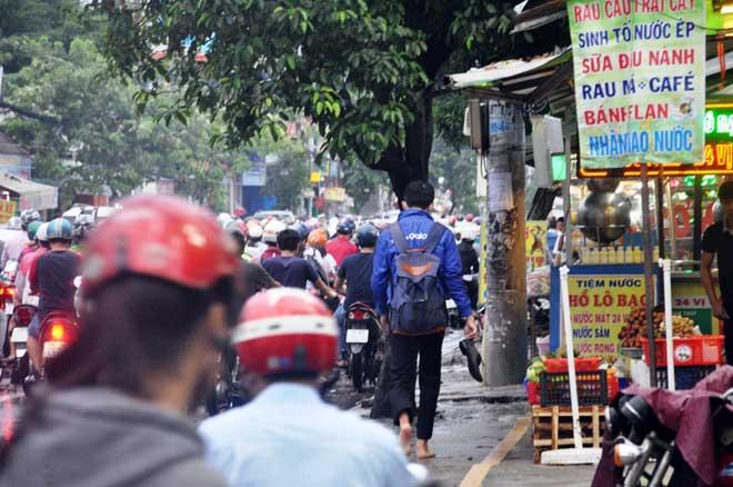 Mưa 1 giờ, Sài Gòn kẹt xe từ chiều đến tối - 14