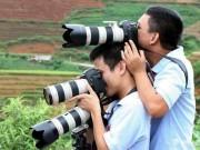 Tin tức trong ngày - Những khoảnh khắc tác nghiệp thú vị của phóng viên ảnh