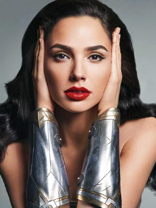 Lộ cát-xê của Wonder Woman: Fan bức xúc, Superman hoan hỷ - 3