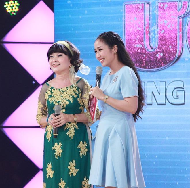 Cẩm Ly ngưỡng mộ cô giáo về hưu hát cho bệnh nhân ung thư - 2