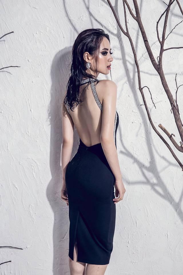 Bản sao Tâm Tít đẹp như nữ thần với váy mỏng, áo xẻ sâu - 6