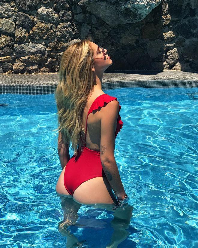 Ngây người ngắm bikini khoét hiểm của kiều nữ triệu đô - 5