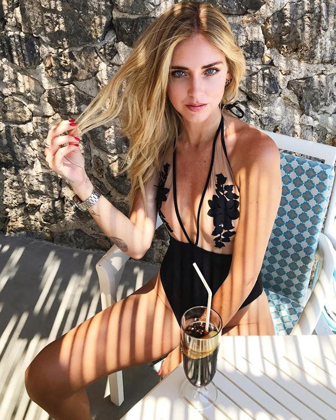 Ngây người ngắm bikini khoét hiểm của kiều nữ triệu đô - 7
