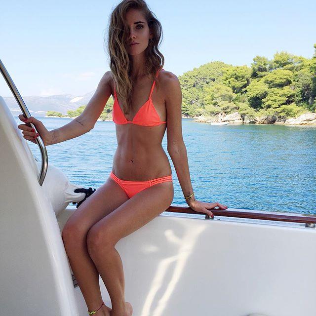 Ngây người ngắm bikini khoét hiểm của kiều nữ triệu đô - 13