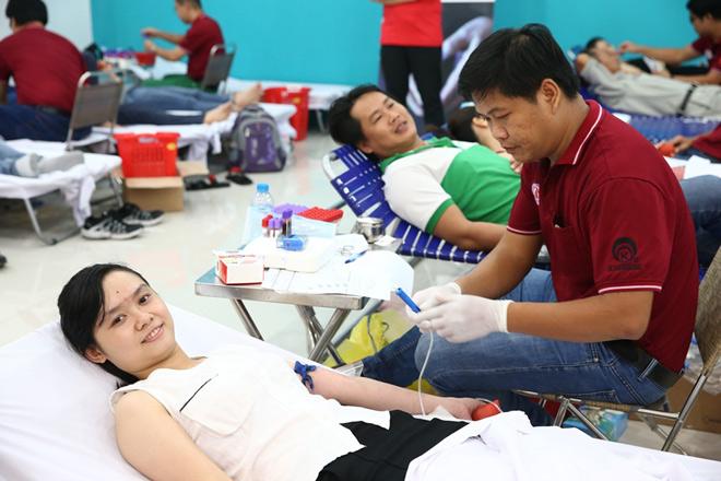 Một lần hiến máu, giúp được ba người - 4