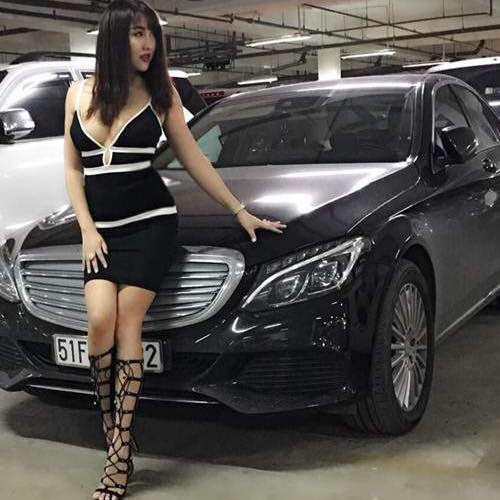 """Phi Thanh Vân gây sốc khi """"diện nhầm"""" váy ngủ ra phố - 3"""