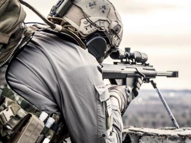 Bước đường cùng, lính Anh dìm chết quân IS bằng tay không - 4