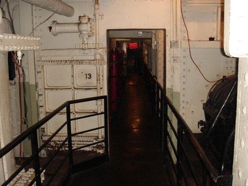 Lạnh gáy qua đêm trên con tàu ma huyền thoại ở California - 5