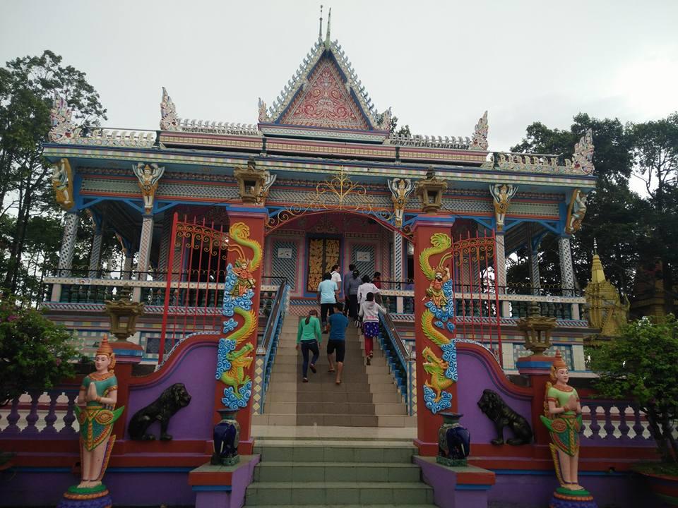 Ngôi chùa được ốp chén, dĩa độc đáo có một không hai ở Sóc Trăng - 10